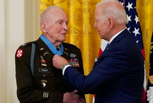 94 year old Vet receives Medal of Honor