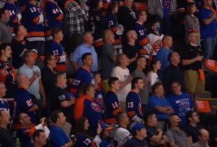 Islanders Fans rock venue with National Anthem
